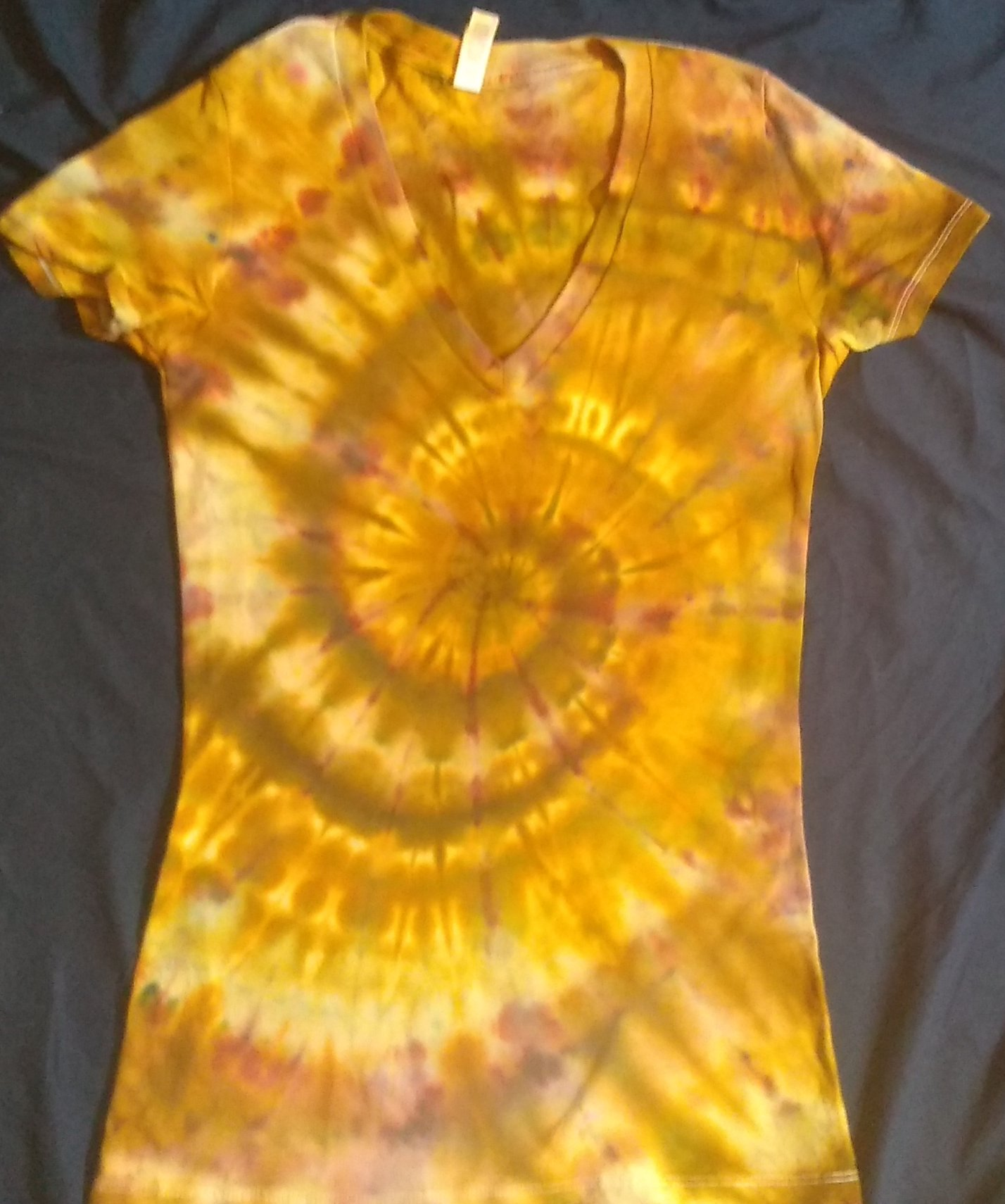 EARTH ELEMENT ICE DYE Ladies V Neck Slim Fit S